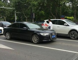 法律咨询马路上发广告阻碍交通违法吗