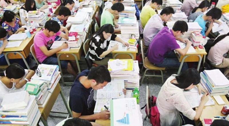 山西上百名高二生突然发现没学籍 或将不能参加高考