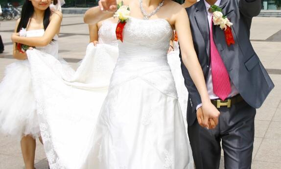 大学生可以结婚生娃吗?法律咨询:正当权利